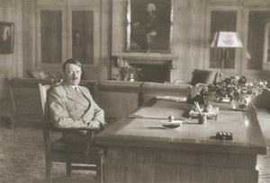 """Jadłospis Adolfa Hitlera w archiwum. """"Takie papiery osiągają zdumiewające ceny"""""""