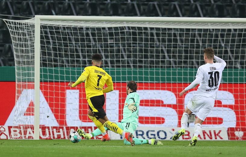 Jadon Sancho strzelił zwycięską bramkę w ćwierćfinale Pucharu Niemiec. /Lars Baron /PAP