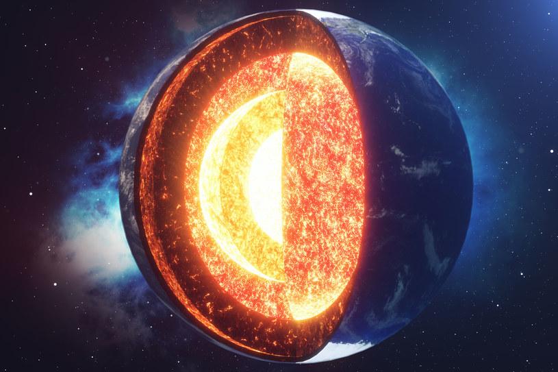 Jądro Ziemi skrywa swoje własne tajemnice /123RF/PICSEL