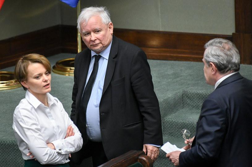Jadwiga Emilewicz, Jarosław Kaczyński i Piotr Gliński w Sejmie. /Jacek Dominski/ /Reporter