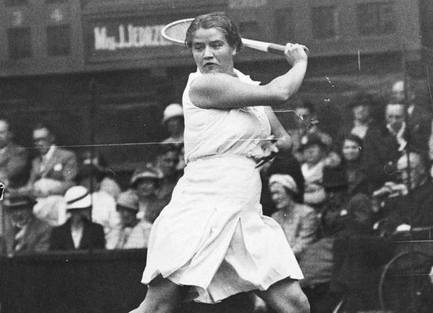 Jadwiga Jędrzejowska podczas turnieju tenisowy na kortach Wimbledonu w 1937 roku /Z archiwum Narodowego Archiwum Cyfrowego