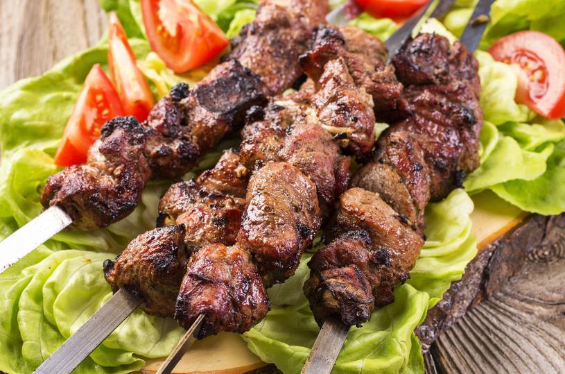 Jagnięcina to jedno z najpopularniejszych mięs w kuchni cypryjskiej /123RF/PICSEL
