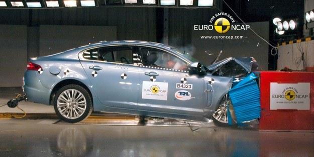 Jaguar XF /