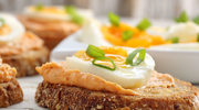 Jajeczna z serem na ostro