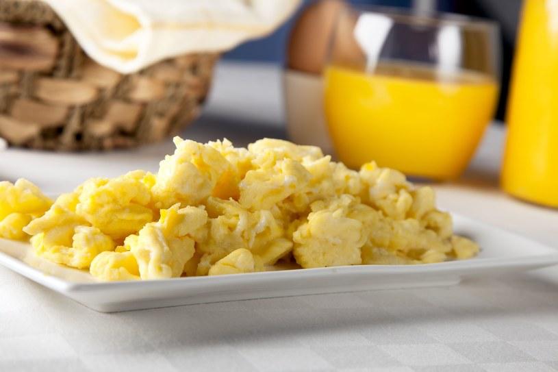 Jajecznica, to jedno z ulubionych sniadań Polaków /123/RF PICSEL /123RF/PICSEL