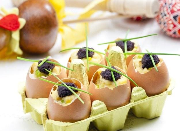 Jajka faszerowane konfiturą /123RF/PICSEL