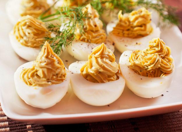 Jajka faszerowane /123RF/PICSEL