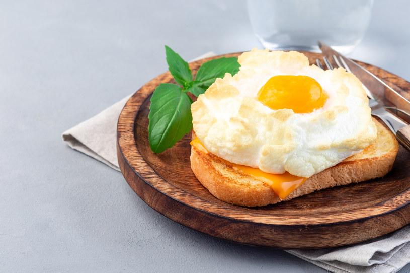 Jajka na chmurce /123RF/PICSEL