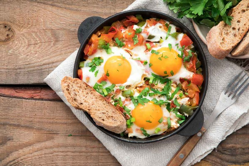 Jajka po meksykańsku /123RF/PICSEL