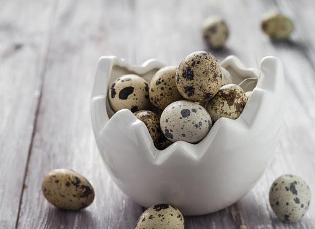 Jajka przepiórcze są zdrowsze od kurzych. /123RF/PICSEL