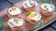 Jajka w marchewkowych kołnierzykach