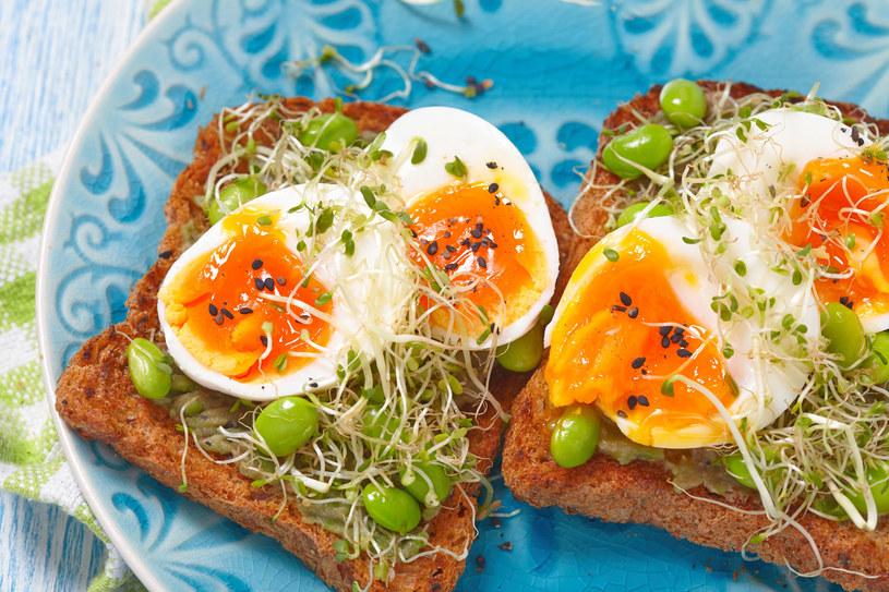 Jajka z kiełki /123RF/PICSEL