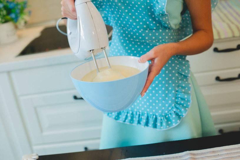 Jajko i oliwa to idealne rozwiązanie, gdy dokuczają ci wrzody /123RF/PICSEL