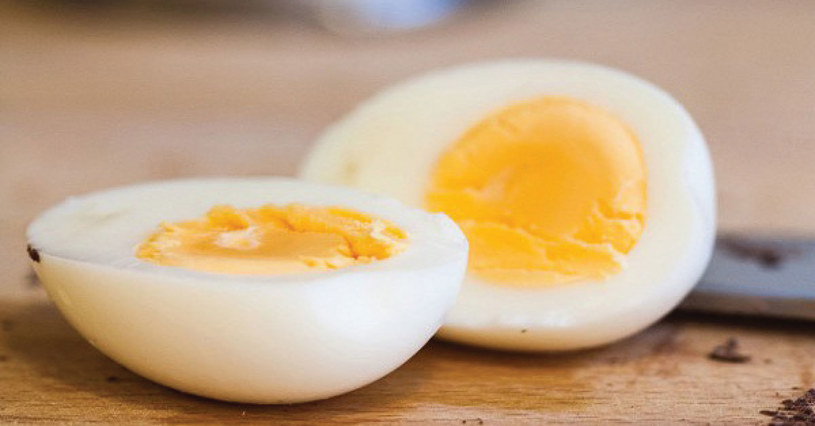 jajko na śniadanie /© Photogenica