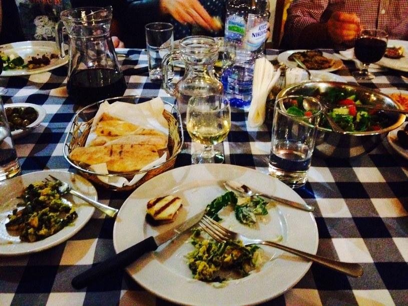 Jajko z bakłażanem i szpinakiem to tradycyjna cypryjska przystawka /interia /INTERIA.PL