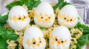 Jajkowe kurczaki w skorupce