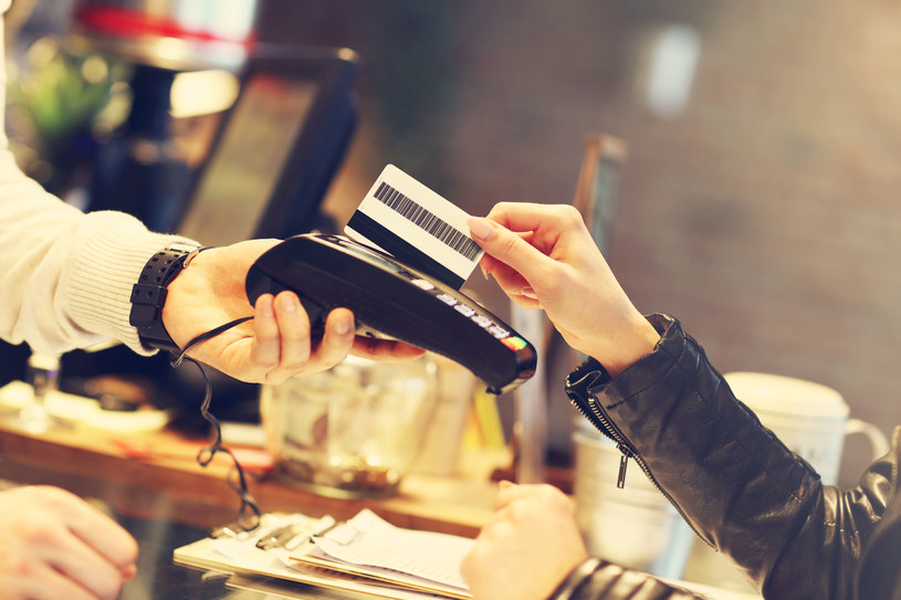 Jak będą realizowane płatności na nowych zasadach? /123RF/PICSEL