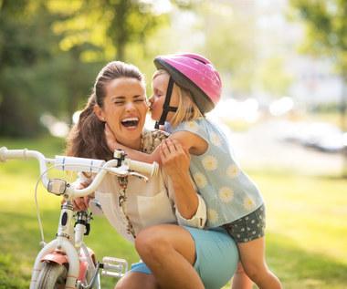 Jak bezpiecznie jeździć z całą rodziną na wycieczki rowerowe