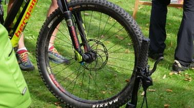Jak bezpiecznie poruszać się rowerem w górach?