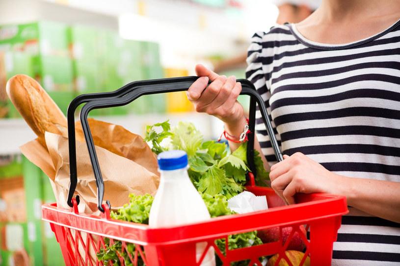 Jak bezpiecznie robić zakupy? /©123RF/PICSEL