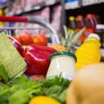 Jak bezpiecznie rozpakowywać i zabezpieczać żywność?