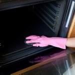 Jak bezpiecznie wyczyścić piekarnik?
