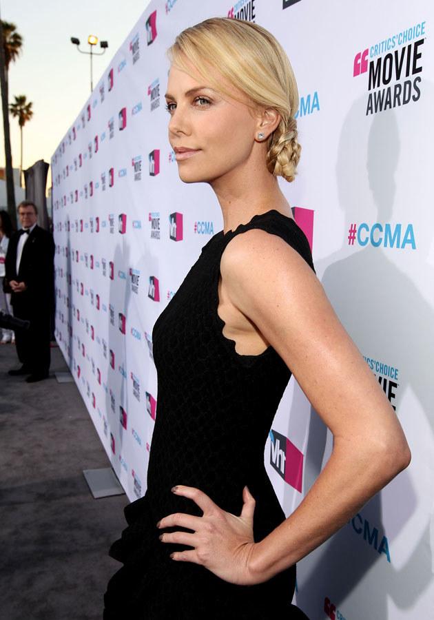 Jak Charlize poradzi sobie w nowej roli? /Christopher Polk /Getty Images