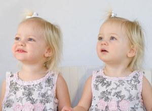 Jak chować bliźnięta?