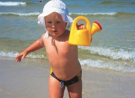 Jak chronić dzieci przed słońcem? /INTERIA.PL