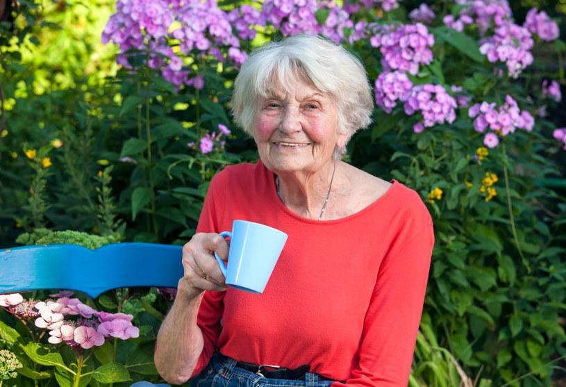 Jak cieszyć się zdrowiem do późnej starości? Naukowcy mają wskazówkę /123RF/PICSEL
