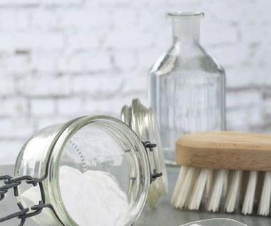 Jak czyścić sodą oczyszczoną?