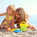 Jak dbać o bezpieczeństwo maleństwa na plaży