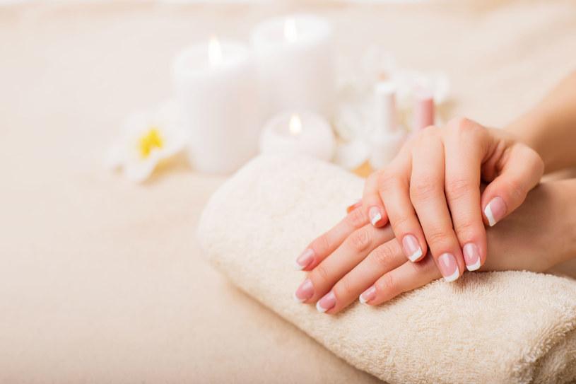 Jak dbać o paznokcie? /123RF/PICSEL