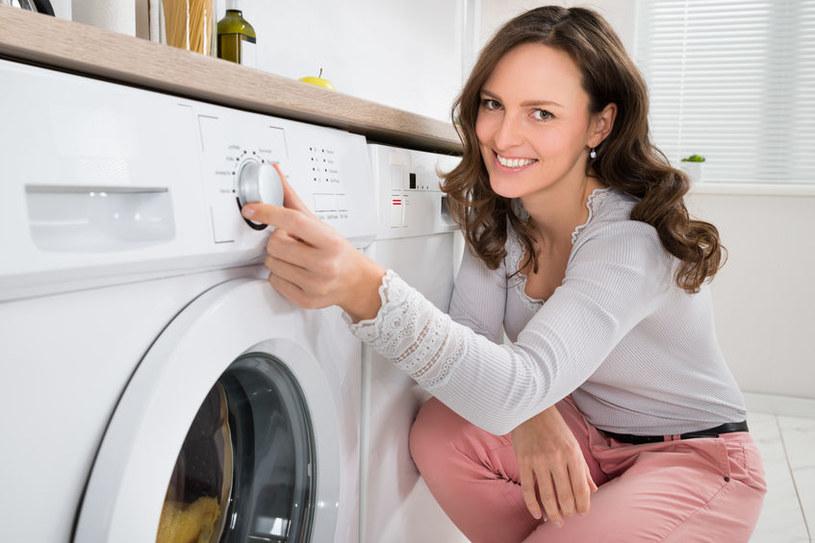 Jak dbać o pralkę, by służyła jak najdłużej? /123RF/PICSEL