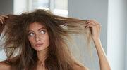 Jak dbać o przesuszone włosy?