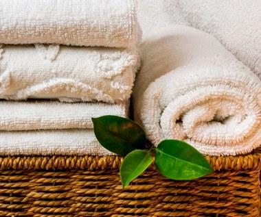 Jak dbać o ręczniki, by były miękkie i pachnące?
