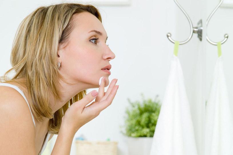 Jak dbać o skórę twarzy? /123RF/PICSEL