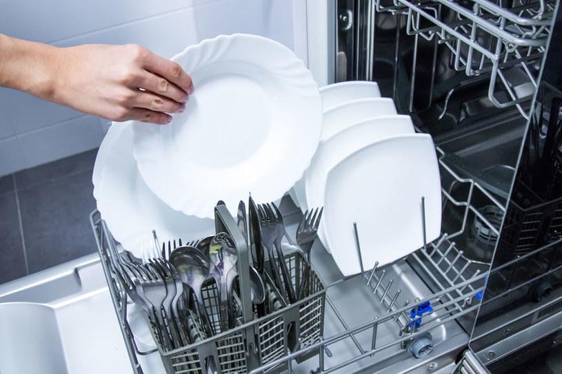 Jak dbać o zmywarkę? /©123RF/PICSEL