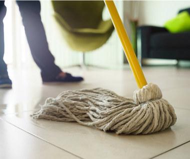 Jak dobrać odpowiedni środek myjący do rodzaju podłogi?