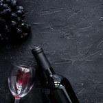Jak dobrać wino do potraw? Sprawdzone połączenia