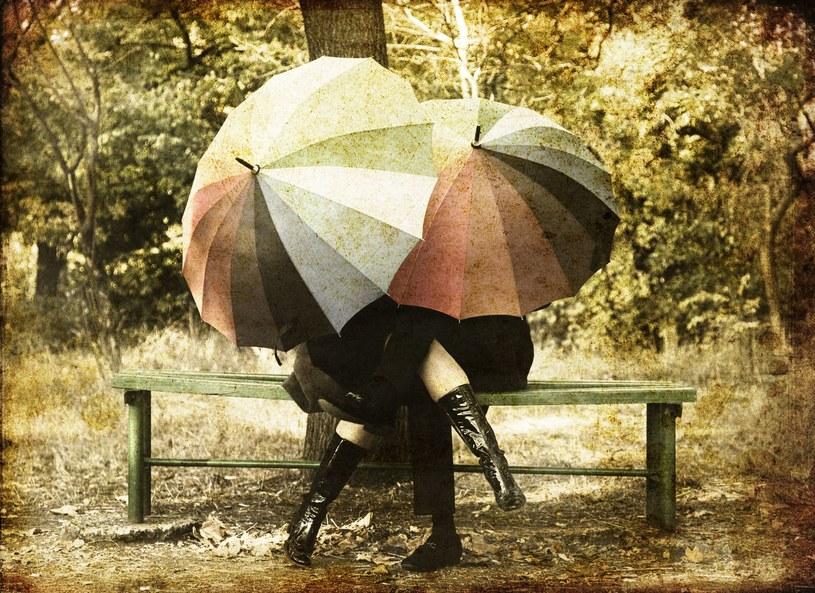 Jak dobrze wyglądać w kiepską pogodę /123RF/PICSEL