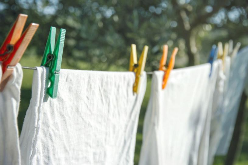 Jak dobrze wysuszyć pranie? /123RF/PICSEL