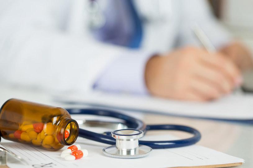 Jak działają antybiotyki i kiedy je stosować? /©123RF/PICSEL
