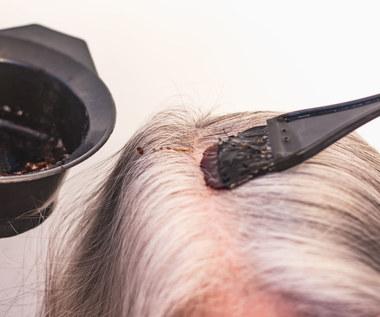 Jak farbować siwe włosy