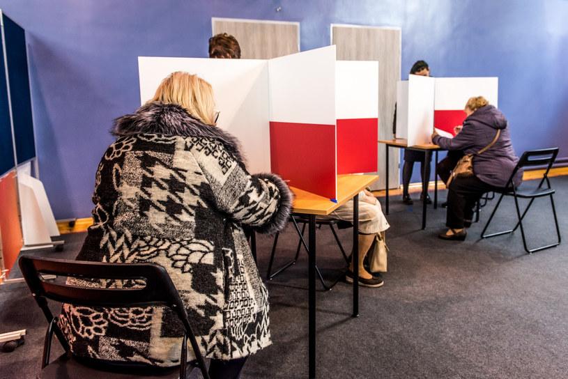 Jak głosowali Polacy w wyborach parlamentarnych? Podano sondażowe wyniki /Marcin Bruniecki/ Reporter /Reporter