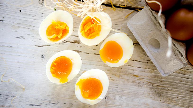 Jak gotować jajka? Z pozoru to proste, a można zapomnieć /INTERIA.PL
