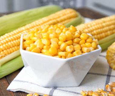 Jak gotować kukurydzę, aby była miękka?