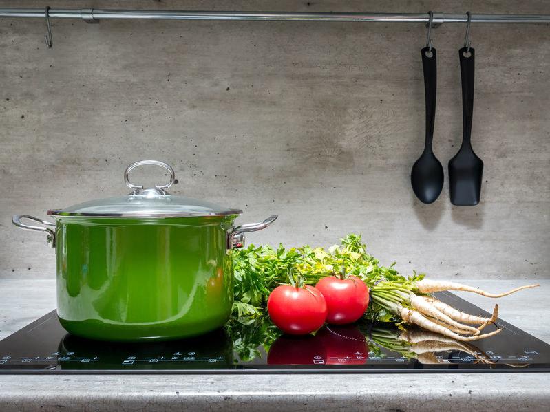 Jak gotować warzywa, by nie traciły koloru i aromatu? /123RF/PICSEL