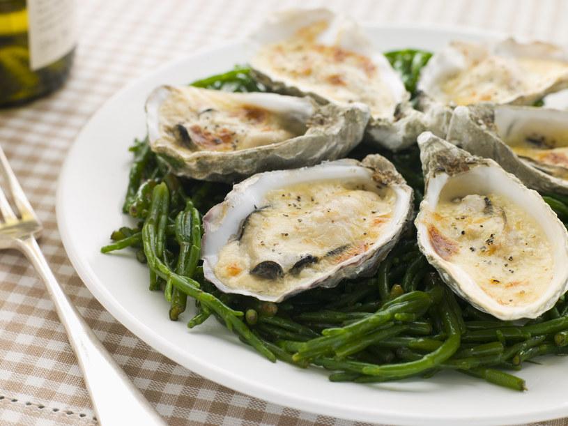 jak jeść ostrygi /© Photogenica