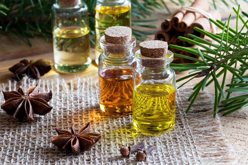 Jak korzystać z olejków eterycznych? /©123RF/PICSEL